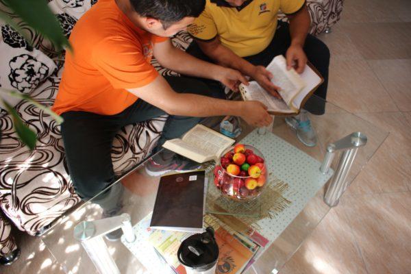 Turkmenistanin evankeliset kirkot tahtovat virallisen rekisteröinnin