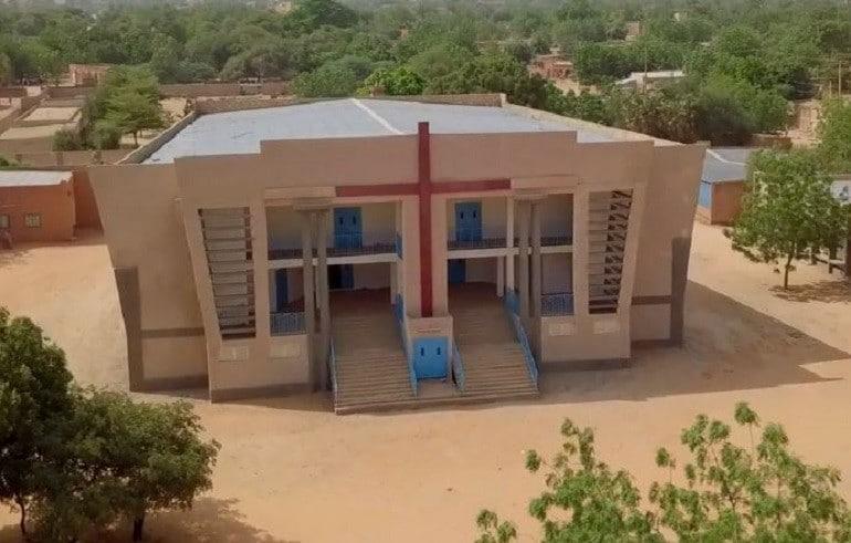 Länsi-afrikkalaisen Nigerin kirkot on korjattu, mutta asenneilmasto kiristynyt