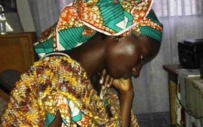 Rohkaise 13-vuotiasta Zita-tyttöä vainon keskellä