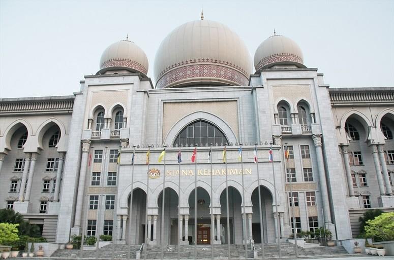 Malesian korkein oikeus kieltää neljältä oikeuden rekisteröityä kristityksi