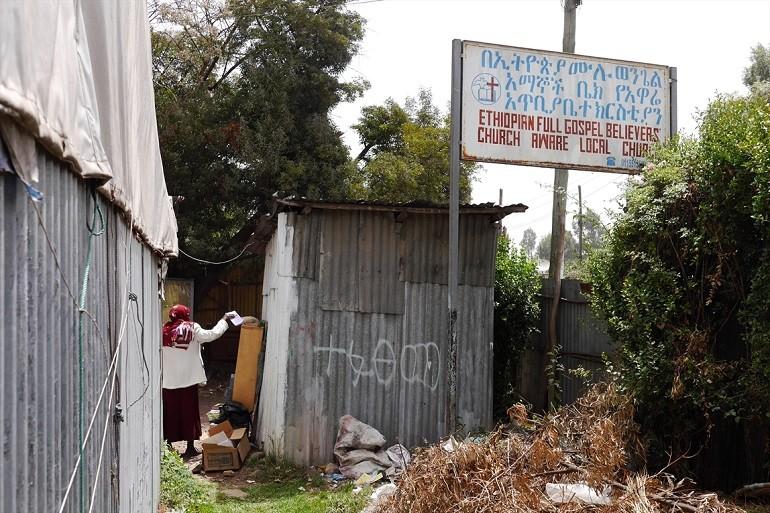 Tuhansia kirkkoja suljettu Ruandassa, Kamerun harkitsee esimerkin seuraamista