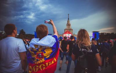 Ihmisoikeudet koetuksella maailmanmestaruuskisojen alkaessa