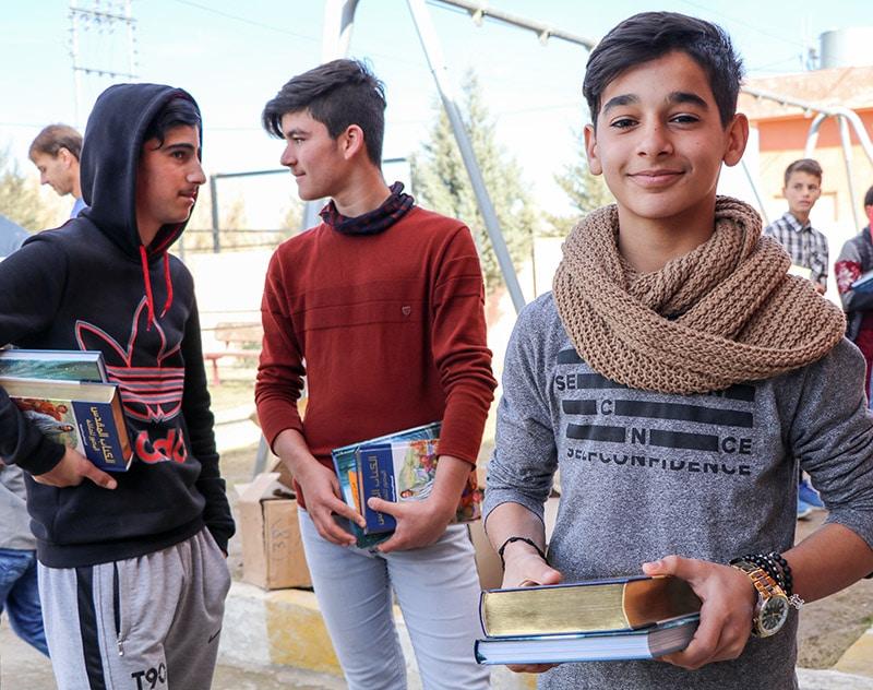 Irakilainen poika ja Raamattu