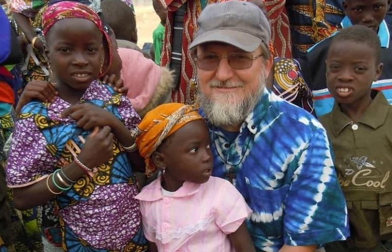 Italialaisen pastorin kidnappaus järkyttää Nigerissä