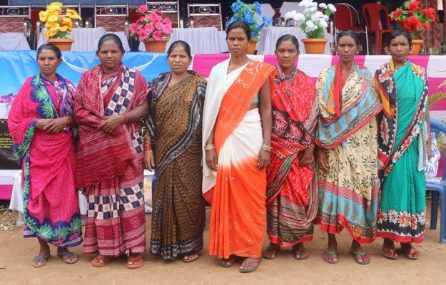 Intialaiset vaimot ovat odottaneet oikeuden toteutumista jo kymmenen vuotta
