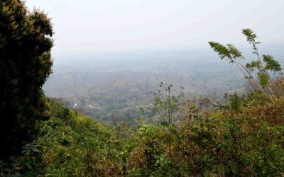 Vuorilla liikkuva usko: Agustina on vaimo, äiti ja Raamattujen salakuljettaja