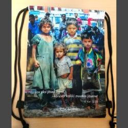 Open Doors -narurepun kuvapuoli, jossa dalit-lapsia