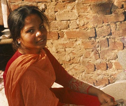 Jumalanpilkkasyytteestä vapautetun pakistanilaisen Asia Bibin perhe yhdistyi 10 vuoden jälkeen