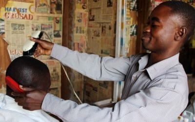 USKALSIN YRITTÄJÄKSI – Käytännön usko muuttaa kristittyjen elämää Itä-Afrikassa