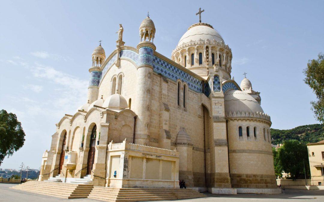 """Taas uusi kirkko suljettiin, kun hallitus määräsi """"ankarat"""" tutkimukset"""