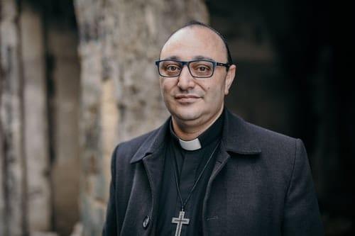 Pastori Abdalla rakentaa Toivon keskuksia Syyriassa.