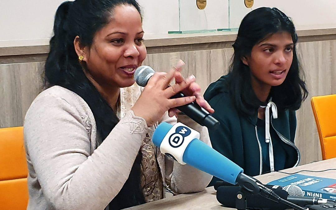 Asia Bibi kertoo uskon säilymisestä vankilassa – Myös Suomesta lähetettiin yli 1500 korttia Pakistaniin