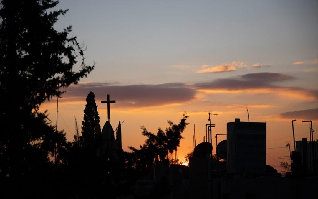 Syyrialaisäiti Alya perheineen  pakeni Isisiä Raqqasta – Jeesus oli vastassa Qamishlissa