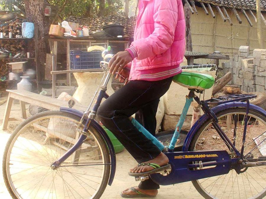 Sanna ja hänen Open Doorsin tuella saama polkupyörä
