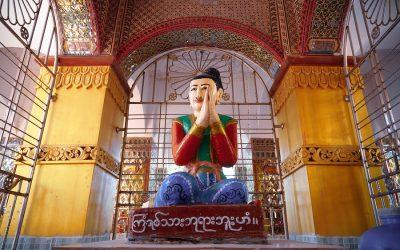 PERINTEITÄ JA PAHOJA HENKIÄ: Kristittyjen vainoa buddhalaisuuden ja animismin Aasiassa