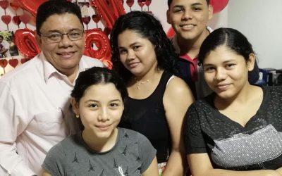 Ei koskaan yksin Kolumbiassa: tukenne pelasti pastori Alberton perheen ja vahvisti kristillistä seurakuntaa