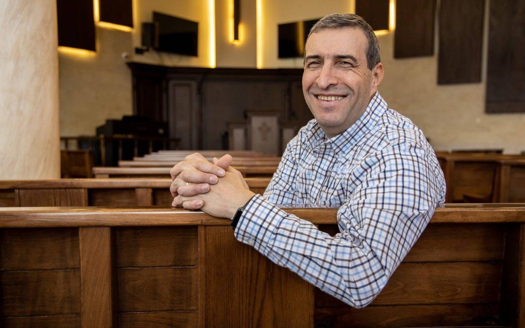 Pieni libanonilainen seurakunta omistautuu pakolaisille – ja nämä vievät evankeliumin eteenpäin