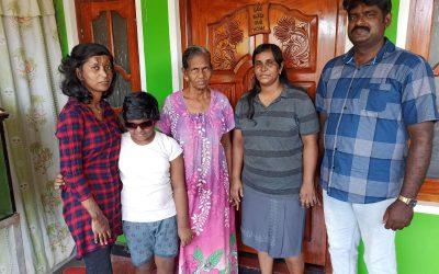 Vakavasti loukkaantuneet Debbie ja Rebekah toipuvat edelleen Sri Lankan pommi-iskusta