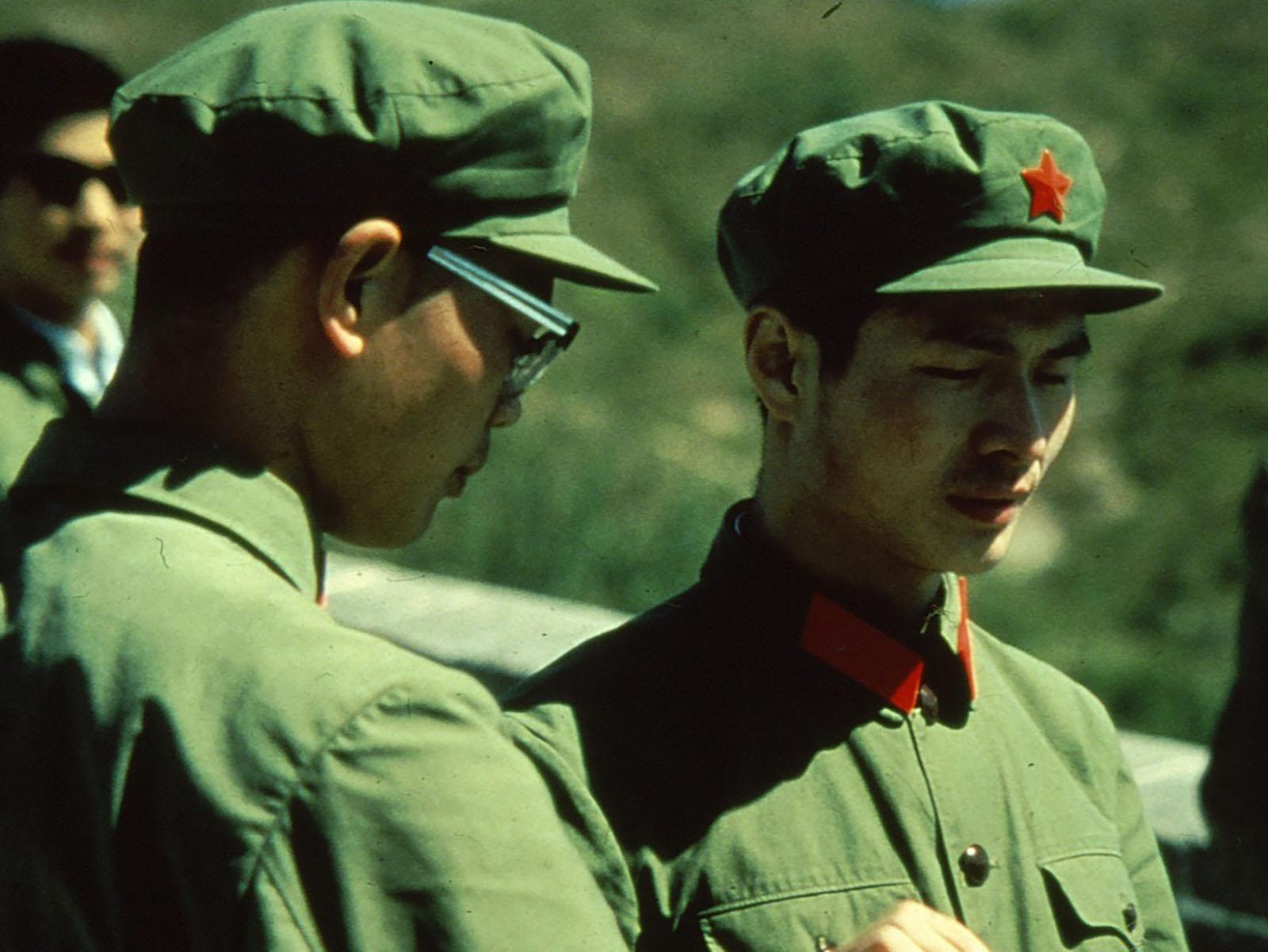 Kaksi kiinalaista sotilasta